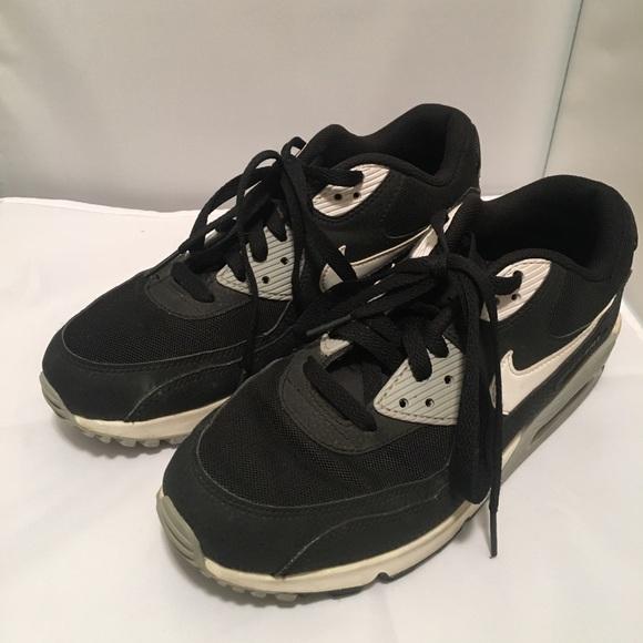 CCO! Nike AirMax Black Shoes 9. M 5ae9deb82ab8c50b925a6c86 0d9bce974